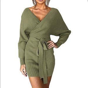 NWOT Long Sleeve Wrap Backless Dress